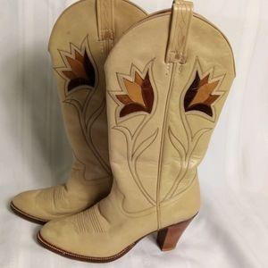 Gorgeous vintage boots